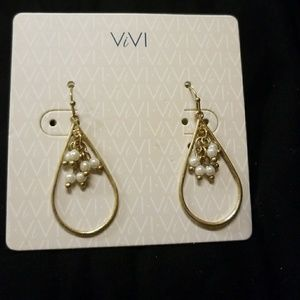 viVi pearl earrings